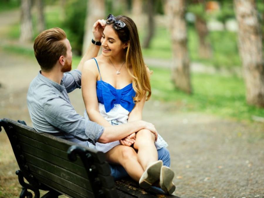 Πώς να παντρευτείτε χωρίς να βγαίνετε