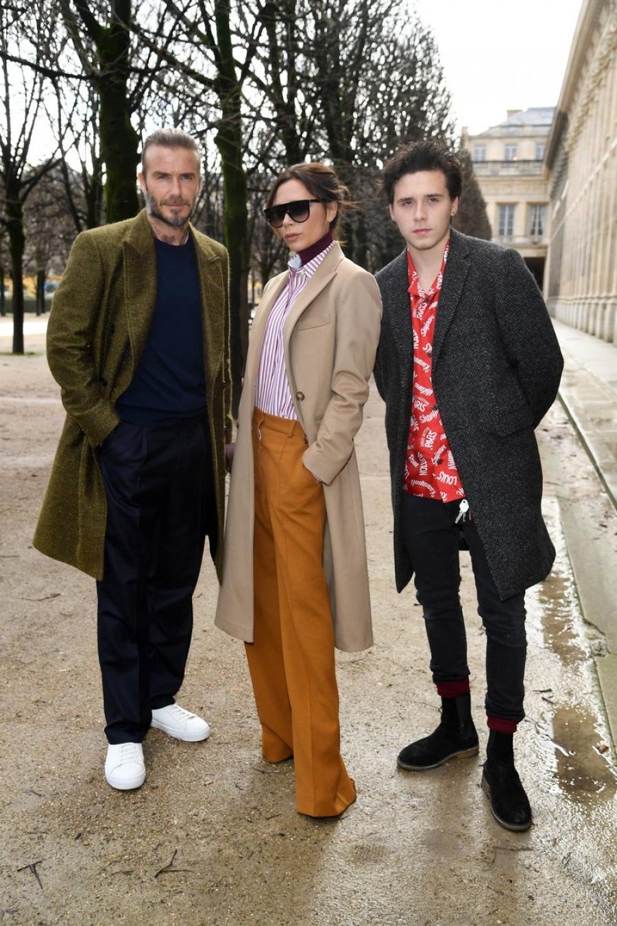Οι Beckhams  κλέβουν την παράσταση στο Παρίσι